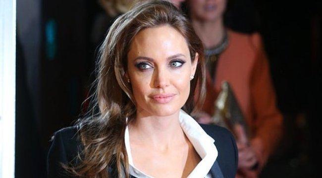 Angelina Jolie: Soha többé nem szülhetek