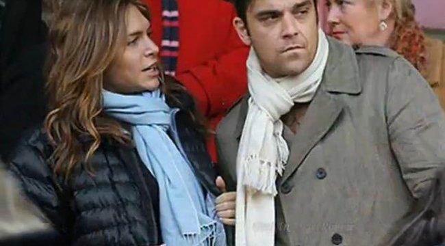 Robbie Williams felesége zaklatta asszisztensüket