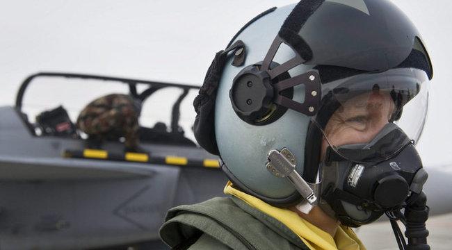 Csigolyáját törte a katapultáló Gripen-pilóta
