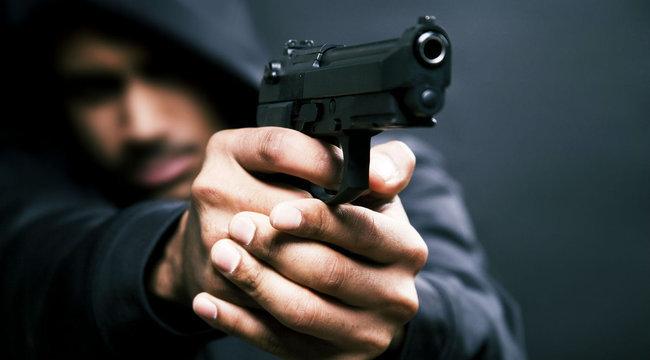 Pech: rossz emberrel végzett a bérgyilkos