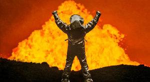 1648 Celsius-fokos vulkánba ereszkedett a férfi