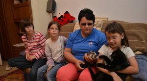 Óriási bajban a majdnem vak, 3 gyerekes Nóra