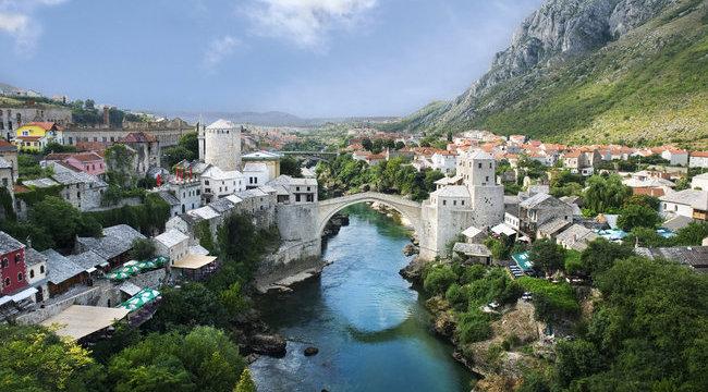 450 éve vetik le magukat az Öreg hídról