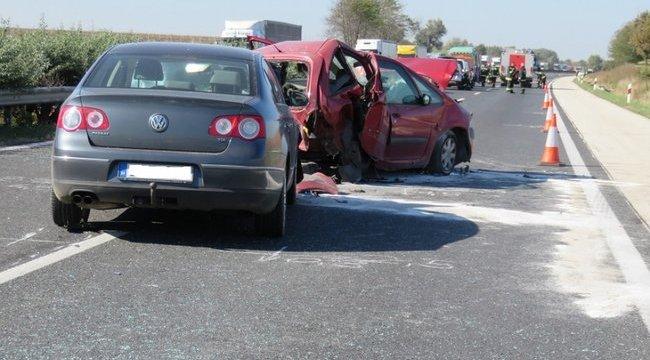 Borzalmas baleset volt az M1-es autópályán - videóval