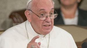 A drótakadály miatt nem jön hazánkba Ferenc pápa?
