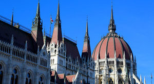 A parlamentből ment prostihoz a magyar honatya