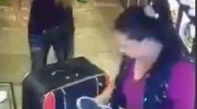 Alaposan bevásárolt a nő, valaki más táskájából - videó