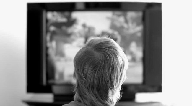 Rázuhant a tévé, kómába esett a kislány