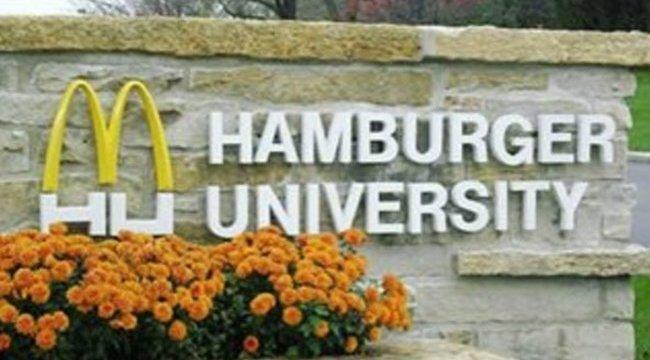 Hamburgerből diplomázna? Keményebb, mint az Oxford