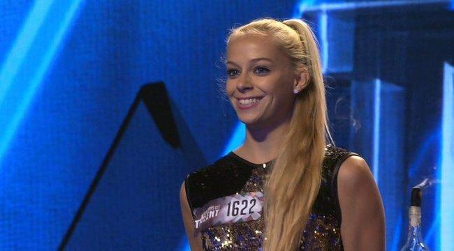 Got Talent: lenyűgöző a szexi Juli mutatványa