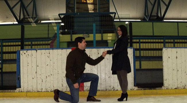Hihetetlen helyen kérte meg szerelme kezét Péter - videóval