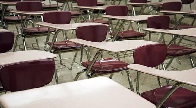 Nem létező diákok után vett fel támogatást két iskola