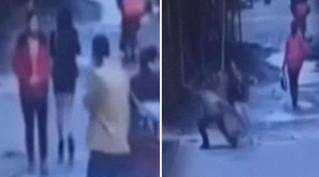 Nyílt utcán vetette magát a perverz a szoknyára - videó