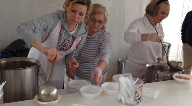 300 embert etetett meg Szorcsik Viki