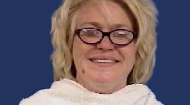 Felnyomta ujját a a kutya fenekébe - szörnyen megbüntették a 14 évest 18+