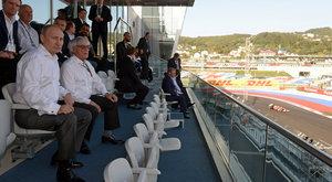 Bernie Ecclestone: Nézhetetlen az F1