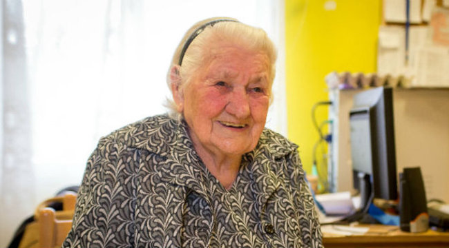 92 évesen lett a net sztárja Marika néni - videó