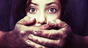 Kislánya barátait erőszakolta rendszeresen