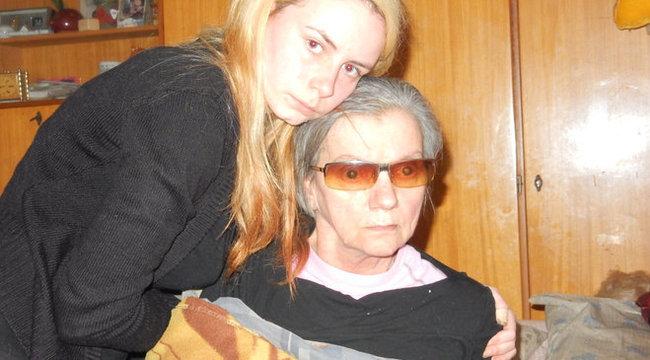Apja meghalt, anyja lebénult, s érettségire készül Andrea