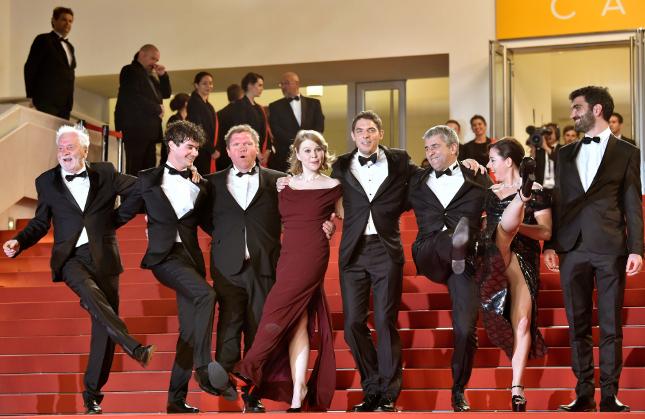 Gigavillantás Cannes-ban: kilátszott a színésznő puncija