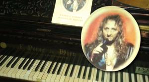 15 millióért sem adták Jimmy zongoráját