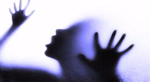 Horror Pécsen: ketten rabolták el és erőszakolták meg a fiatal nőt
