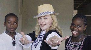 Megbukott földrajzból Madonna
