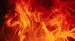 Luxusautó égett a pesti rakparton - fotó