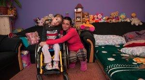 Szintia anyukája: Kétszer halt meg a karjaimban a lányom