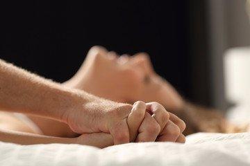 380 embert engedett az ágyába ez a házaspár