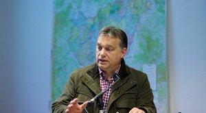 Orbán ismét bevetette a kockás inget