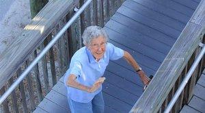 Megható - A kemoterápia helyett a családját választotta a 91 éves néni