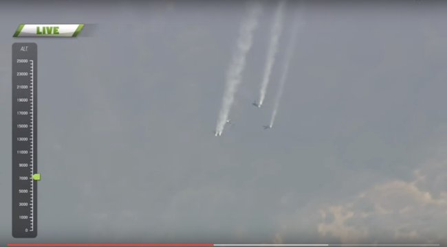 Közel nyolcezer méterről ugrott ejtőernyő nélkül - videó