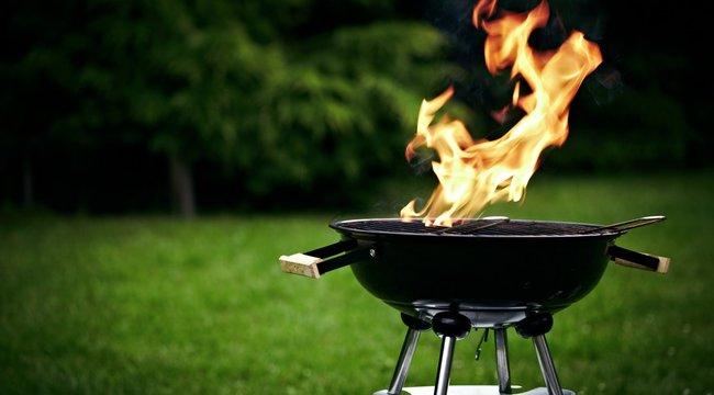 Grillezés: soha ne öntsön vizet az izzó szénre!