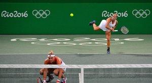 Kiesett a magyar női teniszpáros