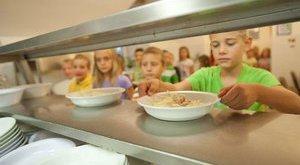 Tart a titkolózás az ételmérgezés-ügyben