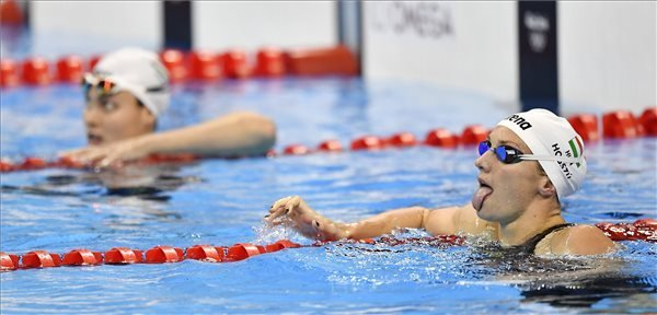 Hosszú döntős 200 méter vegyesen, Jakabos 10. lett