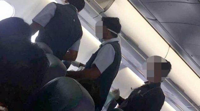 Ezért jó, ha két nővér egyszerre utazik a repülőn