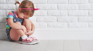 Megerőszakolt kétéves: megszólalt a sitten az anya