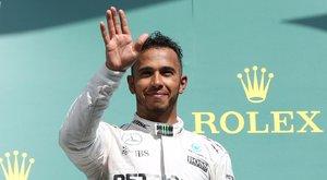Hamilton előzésein ámul a világ
