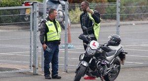 Még gyorsabb akar lenni: Usain Bolt motorozni tanul