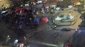 Zsúfolt piacon robbantottak: legalább tíz halott!