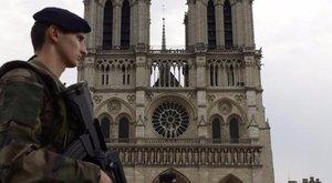 Párizsi terrorveszély: újabb házaspárt tartóztattak le