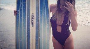 Pazar: Vajna Timi Malibun szörfözget - fotók
