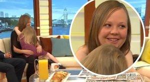 Tévében parádézik anyja a kétévesen pubertásba lépett kislánnyal