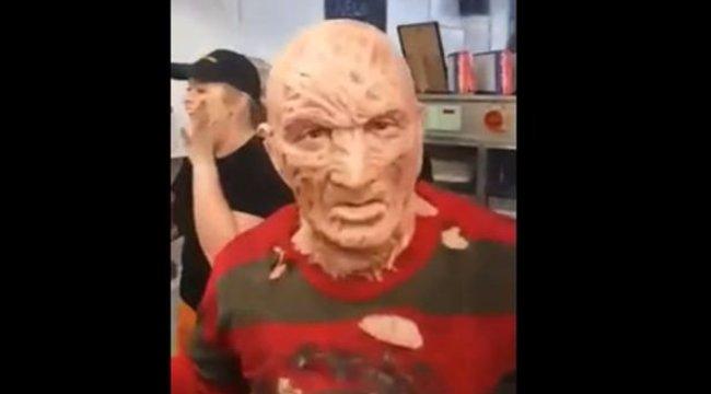 És akkor megjelent Freddy Krueger...
