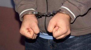 Kiöntötte italát, majd pofon vágta a buszsofőrt – letartóztatták