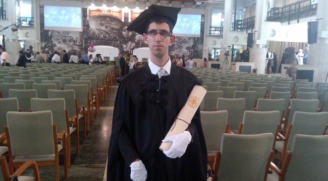 Vakon lett jogi doktor Gergő