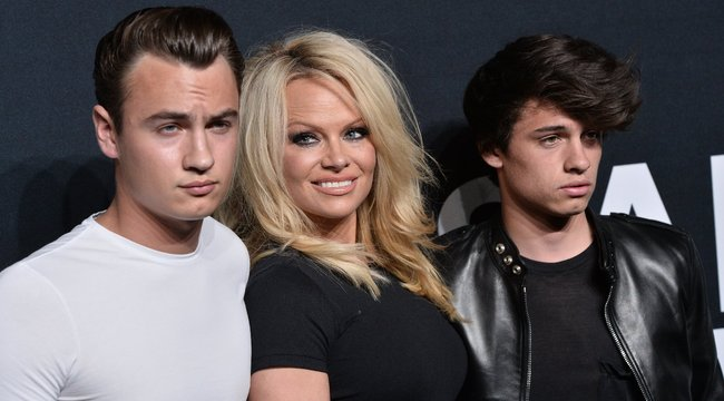 Randitippet ad Pamela Anderson