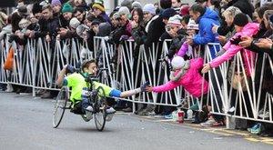 Handbike-kal teljesítette a Berlin Marathont a Tiszta szívvel sztárja